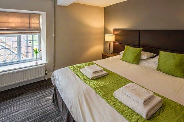 Thornbury Lodge room